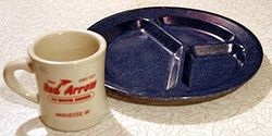 250px-Diner_blue_plate-Wikipedia